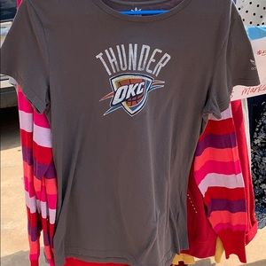 Okc Thunder womens fit Tee XL